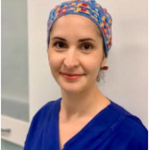 Dr Julia Starte